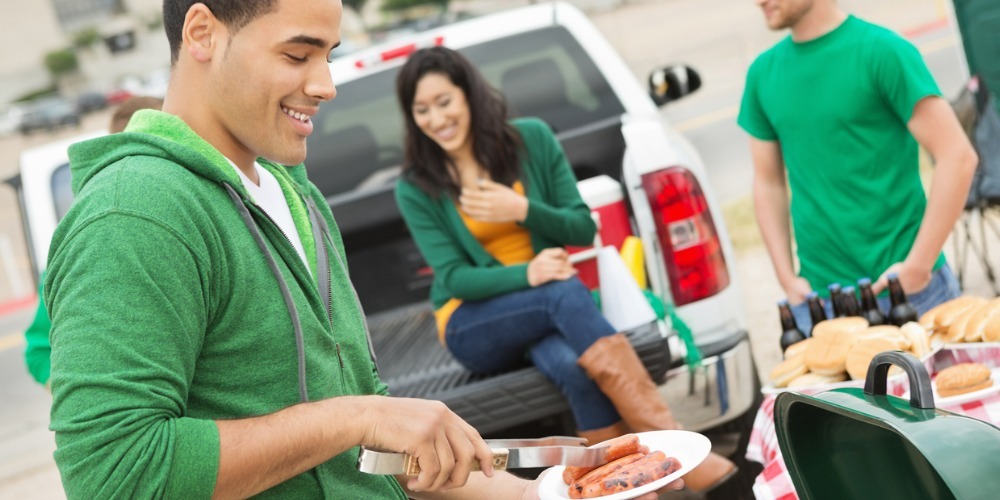 4 Safety Tips for Tailgaters