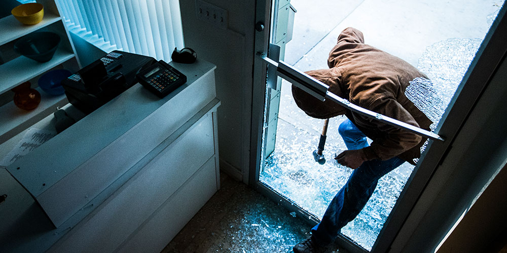 Prevent Nighttime Burglars From Dropping Into Your Business