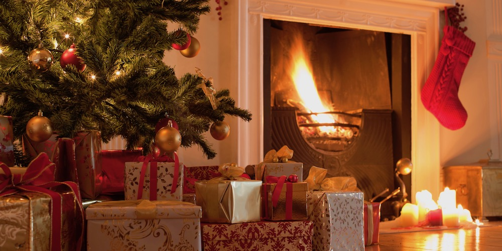 Christmas Tree Safety Tips to Prevent House Fires